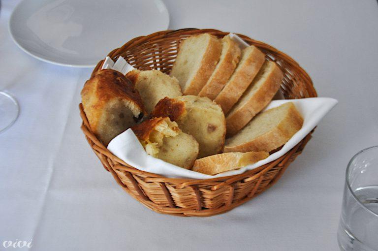 Košarica s kruhom