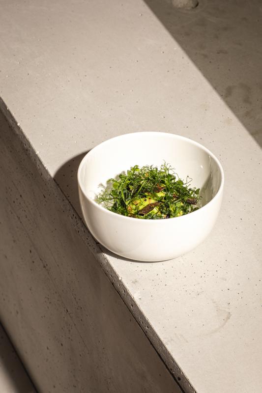 tabar Cauliflower, dried peas, kalamata, alge