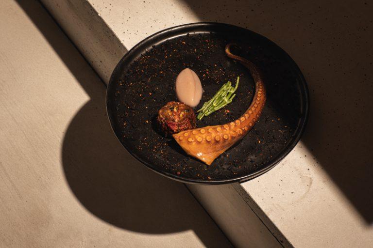tabar Octopus, tomato, chili